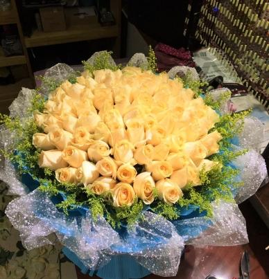 99朵香槟-经典花束