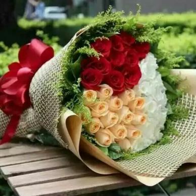 52朵三色玫瑰-花束
